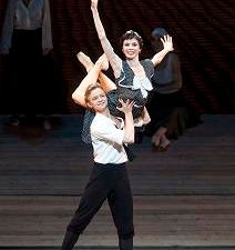 Natalia Osipova and Daniil Simkin in Ratmansky's 'The Bright Stream.'