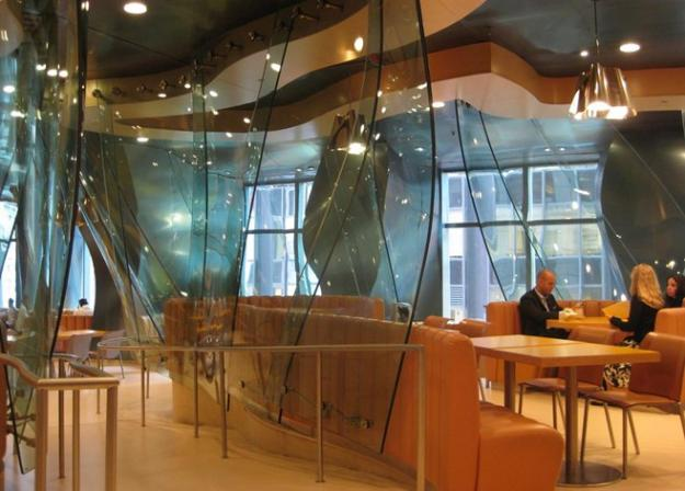 Afternoon Bulletin: Frank Gehry's Conde Nast Cafeteria Shall Live!