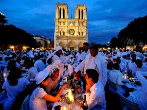 The Parisian Dîner en Blanc