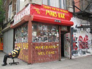 Hank Penza and Mars Bar, his saloon.