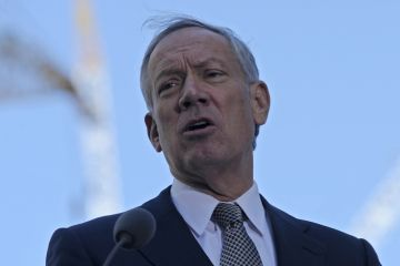 George Pataki, Mitt Romney and the Hillary Conundrum