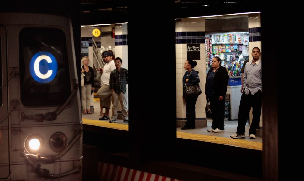 Subway Text Party!: AT&T and T-Mobile to Provide Service to Select Stations Next Week