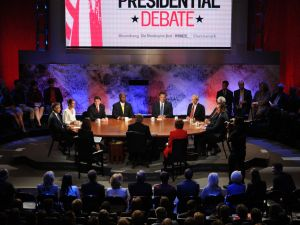 The Republican hopefuls gathered around moderator Charlie Rose's table for the Bloomberg/Washington Post debate. (Getty)