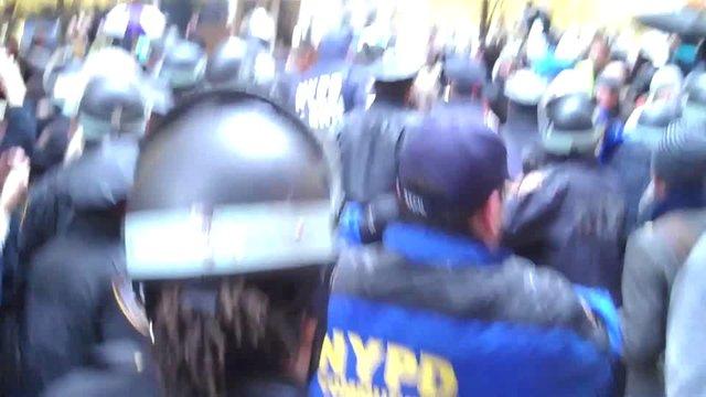 Cops Flood Zuccotti Park, Cause a Mini Riot [Video]