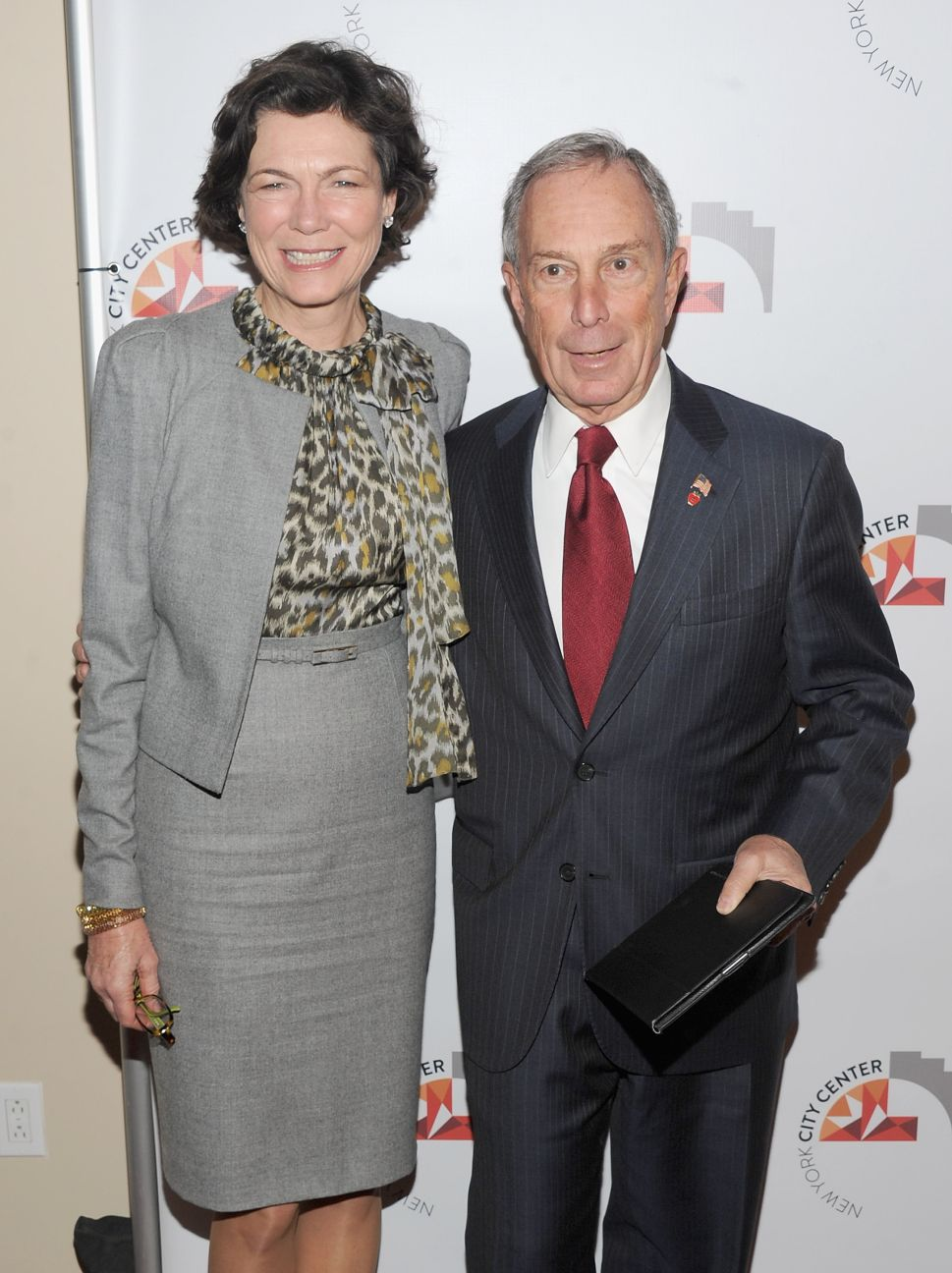 Bloomberg's Girlfriend Diana Taylor Threatens to Resign From Sotheby's Board If Teamsters' Demands Are Met (Video)