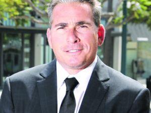 Robert Cohen.
