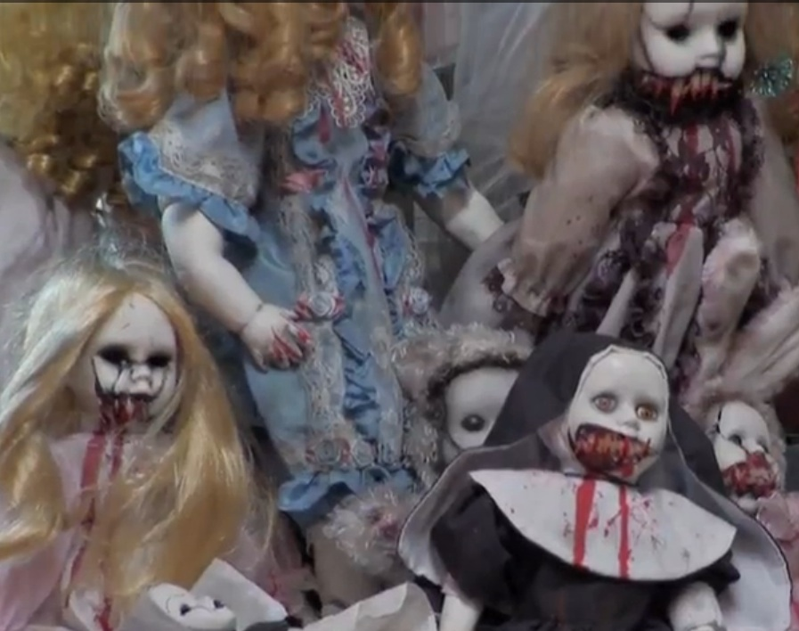 'Clean House NYC' Introduces New York Residents to its Creepy Doll Hoarding Neighbors (Video)