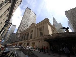 MetLife Building and Grand Central Station, both of which are regularly scrubbed by dues-paying members of 32BJ.