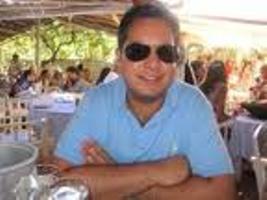 Broker Anan Melwani.