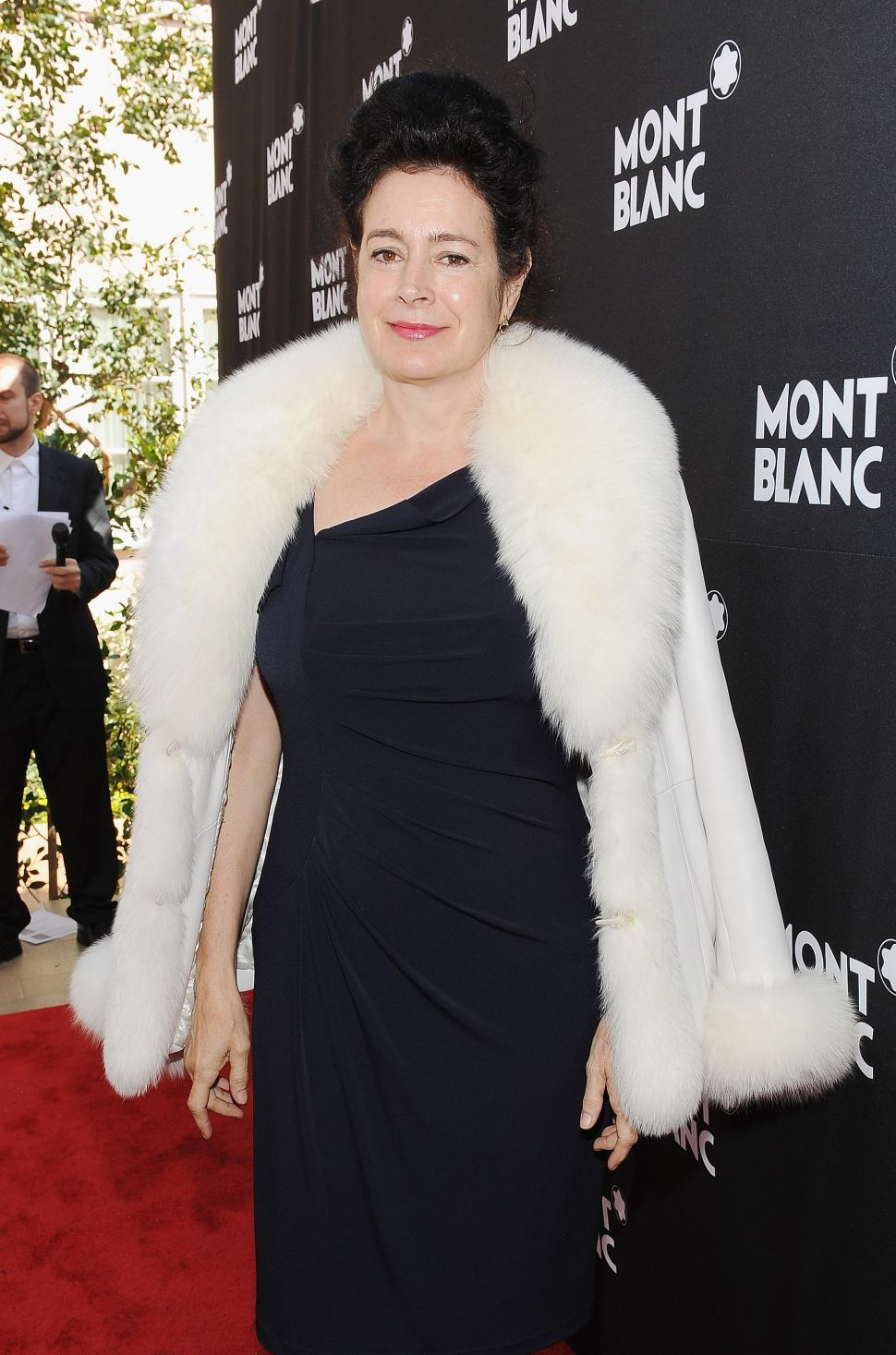 Sean Young Drunkenly Fights After Award Ceremony, As Per Her Wont (Video)