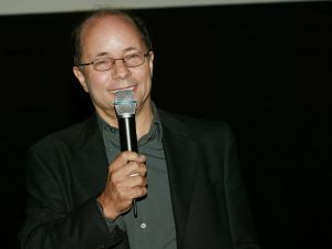 Robert Greenwald at a screening in 2004. (Photo: Getty)