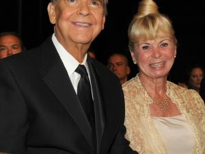 Dick Clark with his wife Kari (Getty Images)