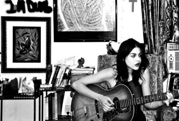 Frances Bean Cobain on Supposed Dave Grohl Seduction: 'Twitter Should Ban My Mother'