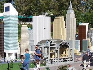 New York, as seen in Legoland... California? (Wikimedia Commons)