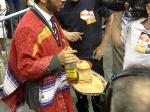 The Daily Show's Al Madrigal dressed to impress at the Obama rally in Richmond. (Photo: Hunter Walker)