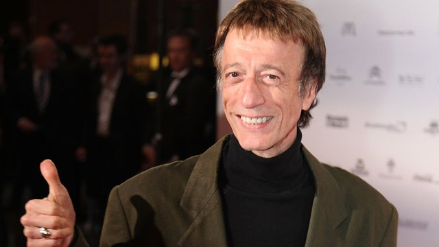 Robin Gibb Loses Battle With Cancer (Video)