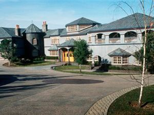The mansion. (AP photo/Martin E. Klimek, The Marin Independent Journal)