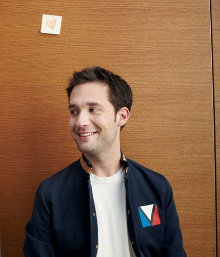 Startup News: Two Regular New Yorkers Disrupt Christmas and Alexis Ohanian Just Wants to Park His Car