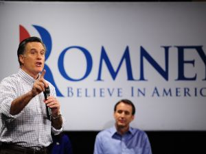 Tim Pawlenty campaigning with Mitt Romney in New Hampshire in January. (Photo: Getty)