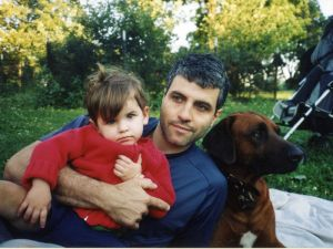 Dimitry Sheinman in Inwood Hill Park with his daughter and his dog in 2004. (Photo: TheSheinmanSource.com)