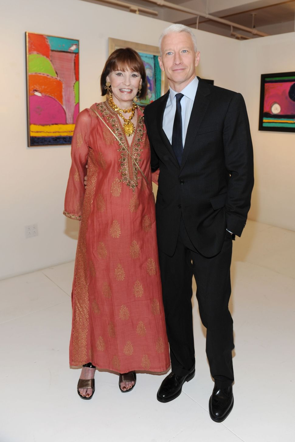 Gloria Vanderbilt Paints the Town, Exhibits 60 Years of Artworks at 1stDibs