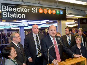 Show me the money. (MTA)