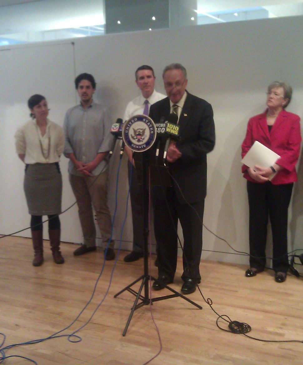 Schumer Courts Tech Scene with BRAINS Act to Help Startups Hire Foreign-Born Workers