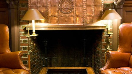 Yale Club Reportedly Suspends Dress Code to Aid Stranded Bulldogs