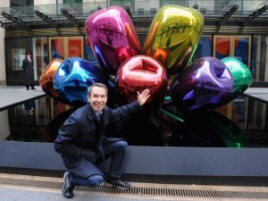 Koons and 'Tulips.' (Getty Images)