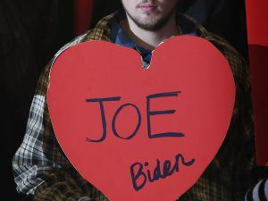 Another one of Mr. Biden's fans from a few days ago. (Photo: Getty)