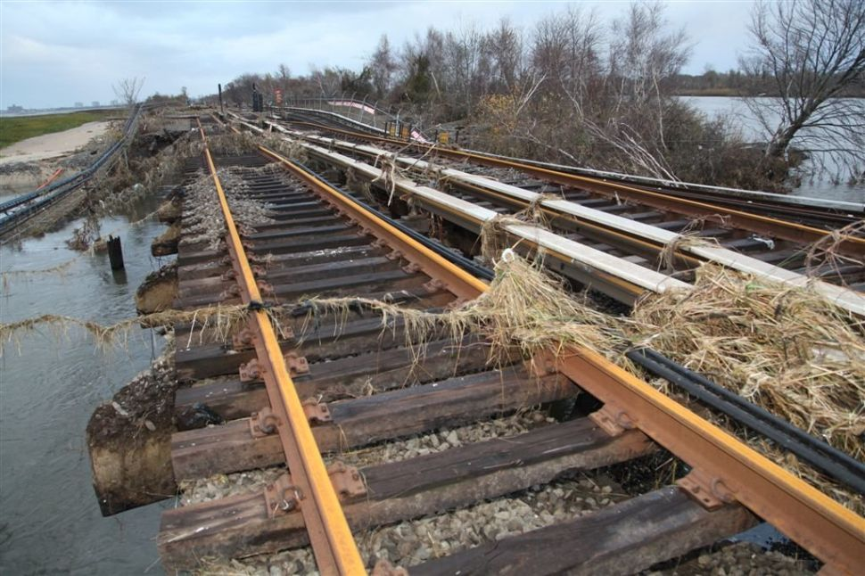 Broad Channel Crossing Must Be Rebuilt, Leaving Rockaways Without A-Train for Months or Longer