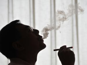 New York City's smoking rate has gone up, but e-cigarettes might not be the answer. (Getty)