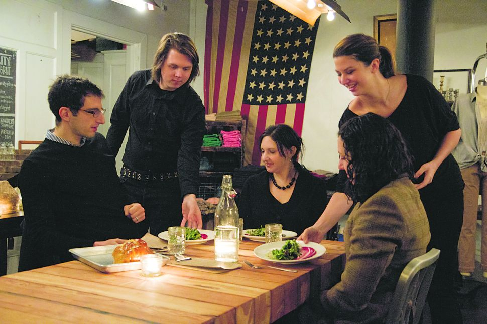Nice Jewish Goys: No Religion Required in New Shabbat Traditions