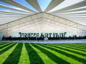 Frieze New York 2012. (Courtesy of Graham Carlow/ Frieze)