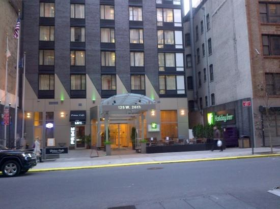 Rise of the Sliver Hotel: Why Blah Buildings Are Blighting Midtown