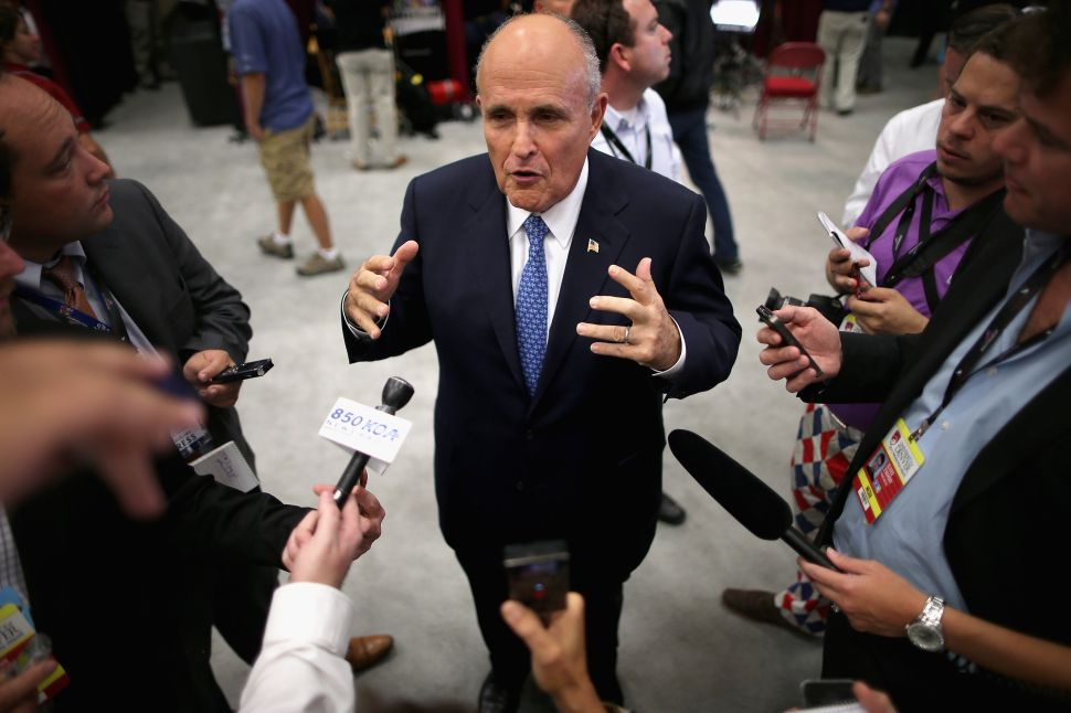 Rudy Giuliani Takes Credit for Crime Drop in Bogota, Colombia