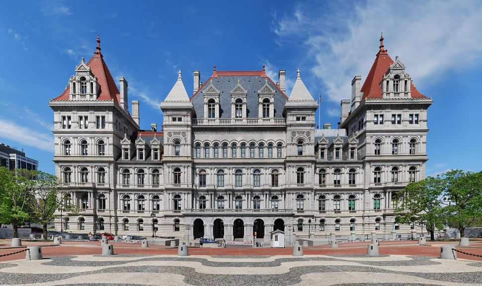 Poll: New Yorkers Give Big Thumbs Down to Legislative Pay Hike