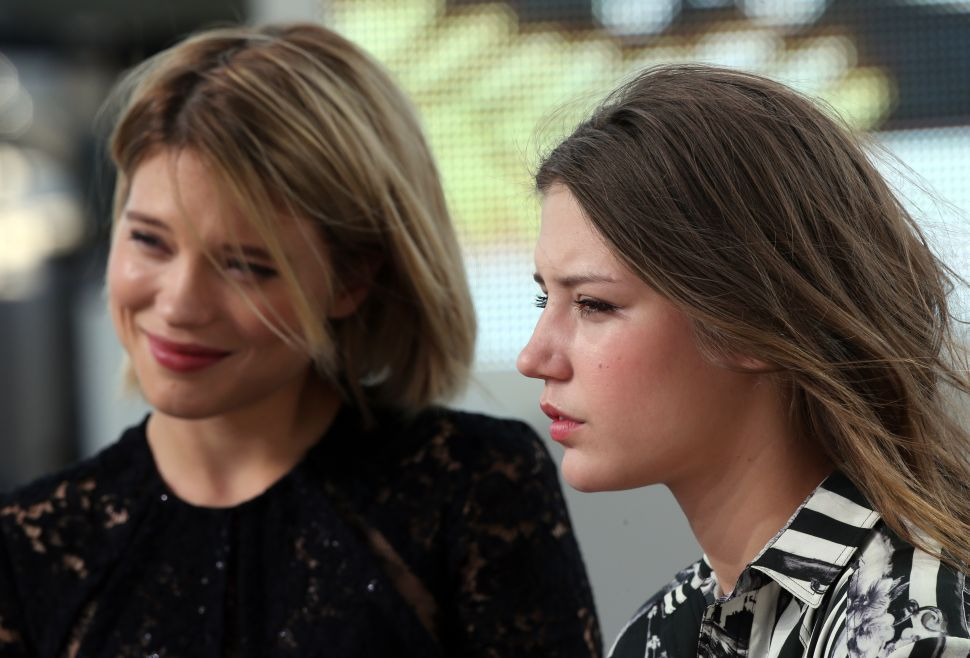 Cannes: Ebullient Lesbian Romance <em>Blue Is the Warmest Color</em> Is Stark Contrast to Dour <em>Nebraska</em>