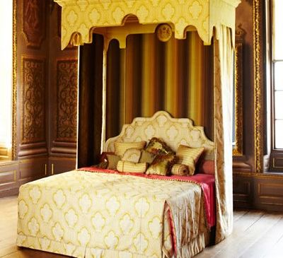 The Royal Bed. (Courtesy of Savoir Beds)