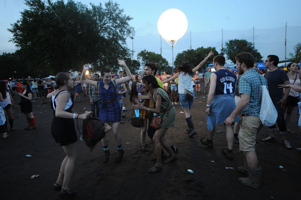 Governors Ball Hipster Dancing Leaves Randall's Island With Long Recovery