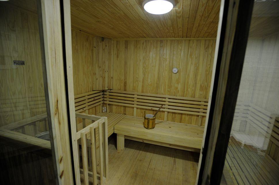 Manhattan Man Sues Gym After Slipping on 'Foreign White Substance' in Sauna