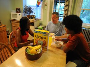 Public Advocate Bill de Blasio and his family eating Cheerios.