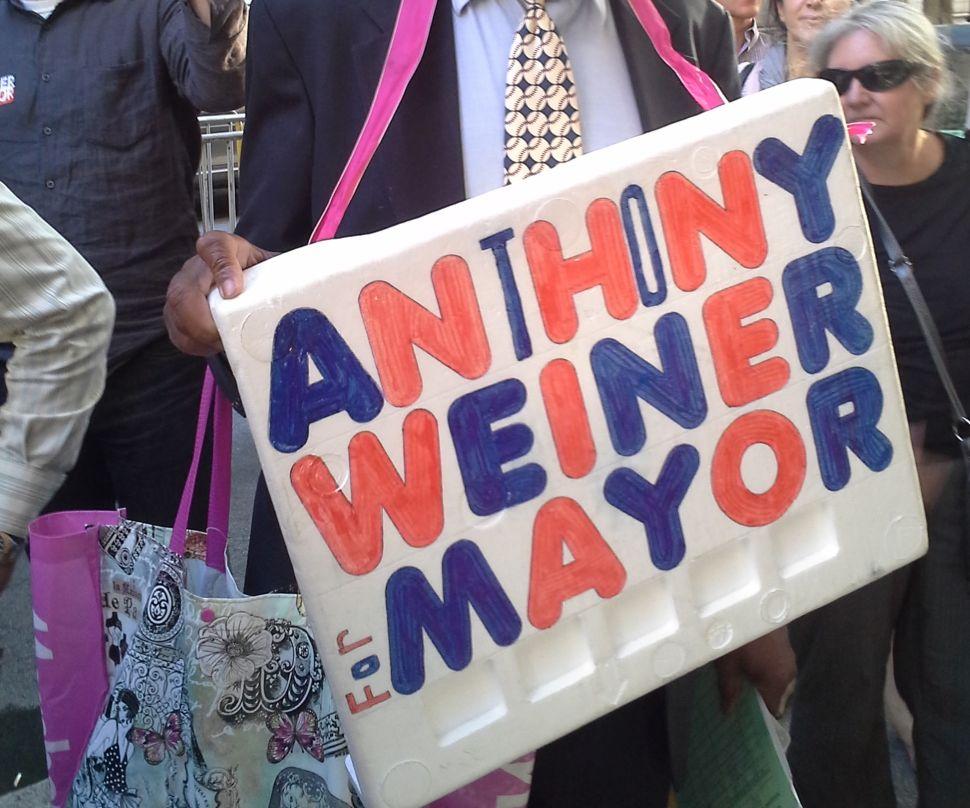 Weiner Volunteers Show Up in Force at Manhattan Debate