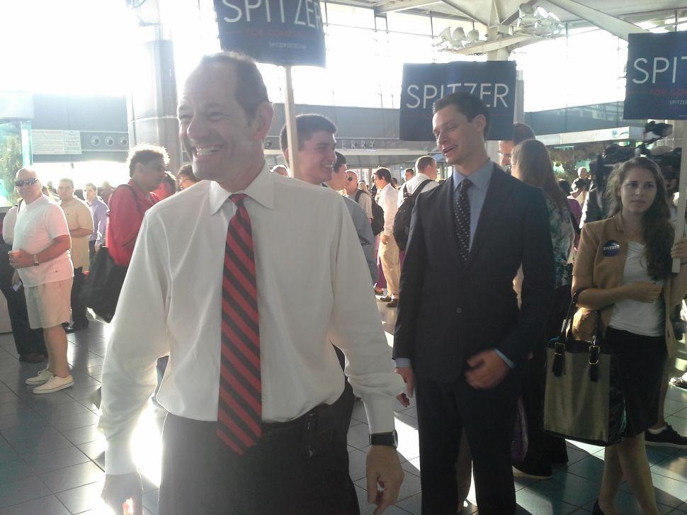 Eliot Spitzer Woos Staten Island's Commuter Crowd
