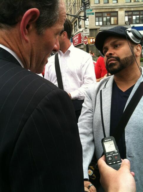 Eliot Spitzer Hunts for Votes in Brief Bronx Visit