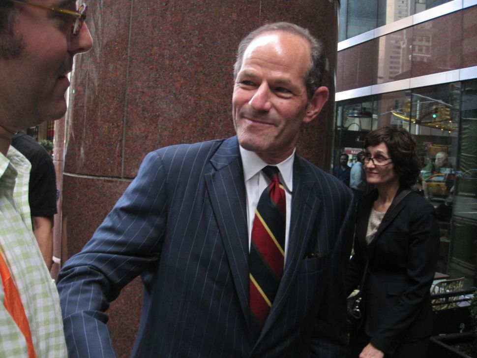 Spitzer Wines and Dines Supporters at Last-Minute Petitioning Party