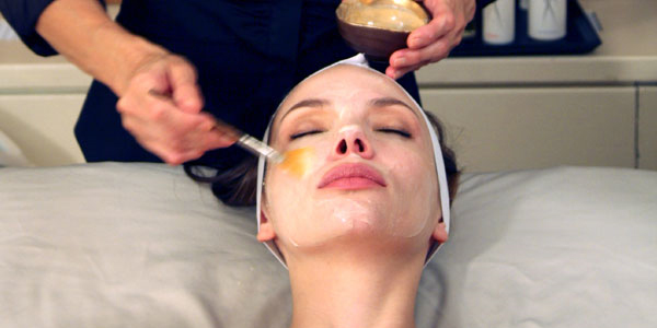 Dropping Dough for Deuces: New Yorkers Pay $180 for Bird Poop Facial