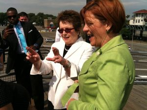 Billie Jean King keeping her fingers crossed for Christine Quinn.