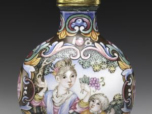 Snuff Bottle with European Woman and Child China, Qing dynasty (1644–1911), Qianlong mark and period (1736–95), 18th century