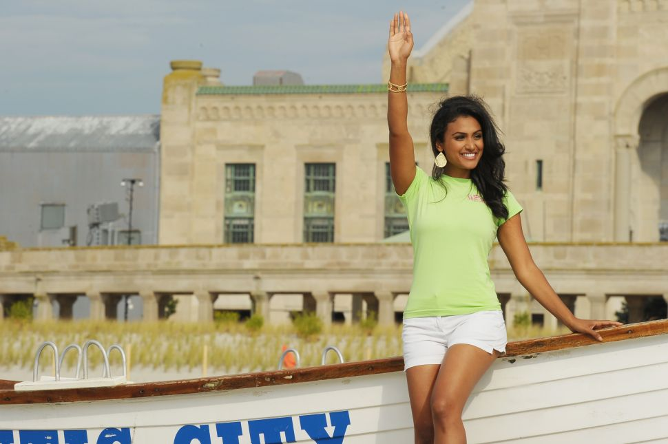 Why Can't Twitter Tolerate New York's Indian-American Miss America?